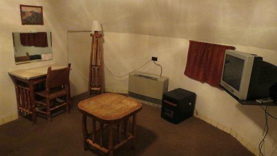 Wigwam Motel : Inside (1)