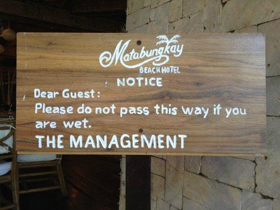 Matabungkay Beach Resort & Hotel: funny sign