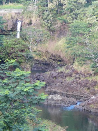 Wailuku River State Park: Pe'e Pe'e Falls to the left of Boiling Pots