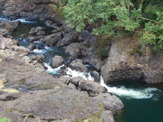 Wailuku River State Park: Boiling Pots