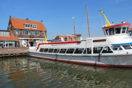 Amsterdam City Tours-Day tours: Ferry arriving