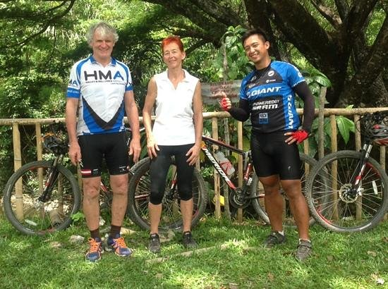 Bike Borneo: Wally, Gill and Alvin