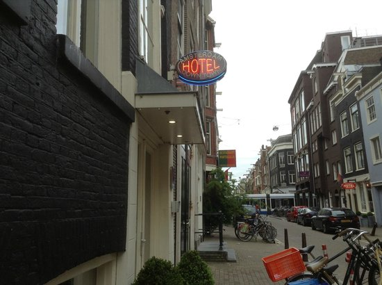 Amsterdam Downtown Hotel: Front porch of the Hotel