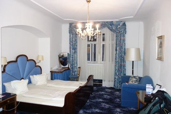 Hotel Eisenhut : room