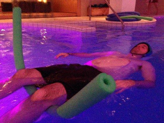 Icelandair Hotel Reykjavik Natura: Solley pool
