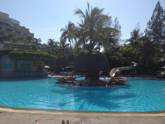 Hilton Hua Hin Resort & Spa : Waterslide Area