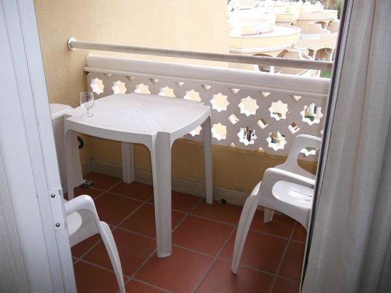 Hotel Oriental : Small balcony