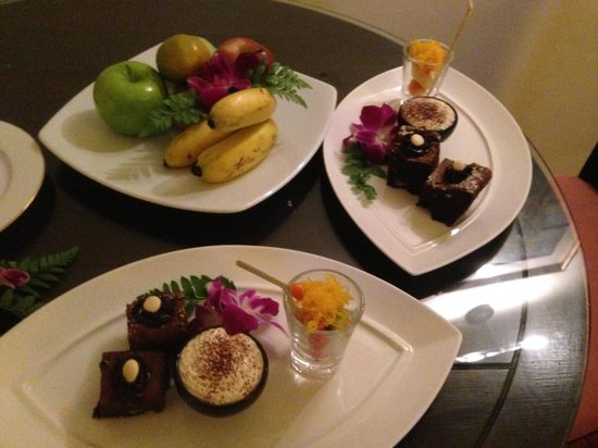 Hilton Hua Hin Resort & Spa: Our Arrival Treats in the Suite