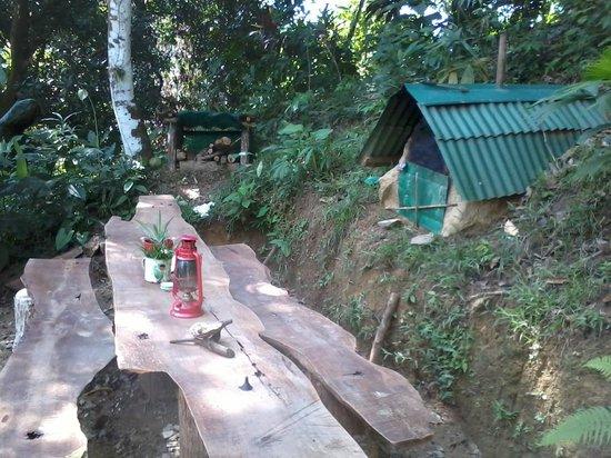 Ka'Kau Jungle Cabinas: Dining area with stone oven