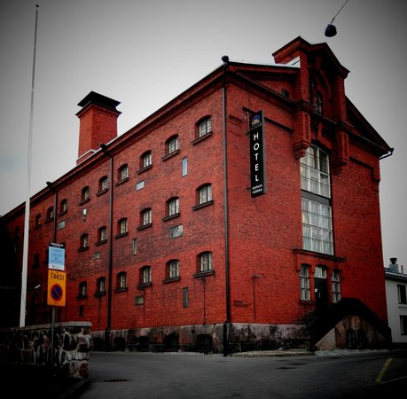 Hotel Katajanokka: Building