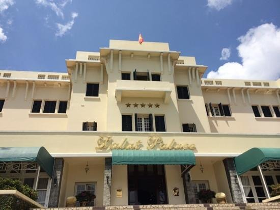 Dalat Palace Heritage Hotel: beautiful old French style architecture