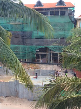 Angkor Empire Boutique Hotel: View from our window