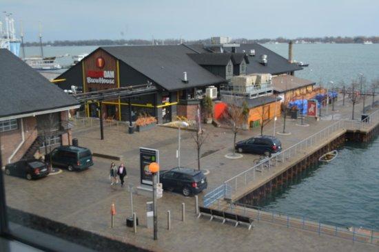 Radisson Admiral Toronto Harbourfront: Dining