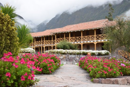 Casa Andina Private Collection Valle Sagrado: Flower-lined paths to the rooms