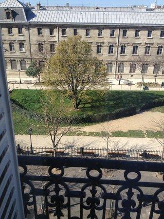 Hotel du Square d'Anvers: Вид на сквер