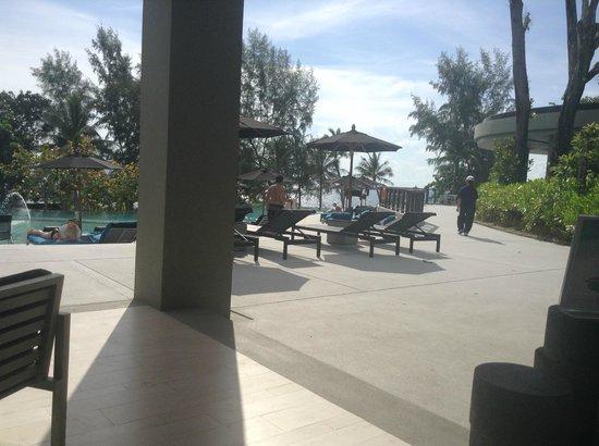 Pullman Phuket Arcadia Naithon Beach : pool area