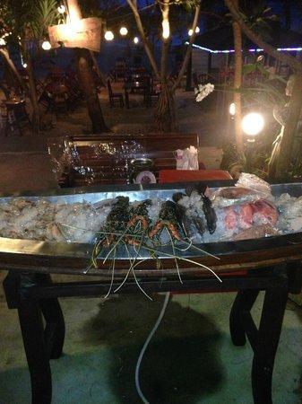 Pullman Phuket Arcadia Naithon Beach : fresh catch at the local restaurant