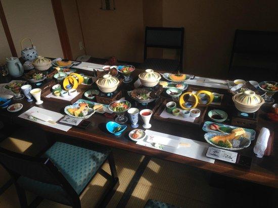 Hidatei Hanaougi: Dinner