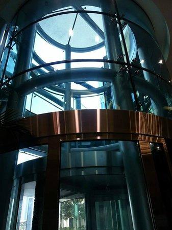 Jumeirah Living World Trade Centre Residence : entrance