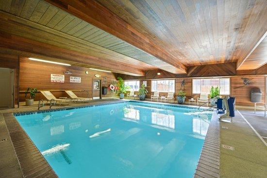 BEST WESTERN PLUS Rama Inn: Indoor Pool & Spa