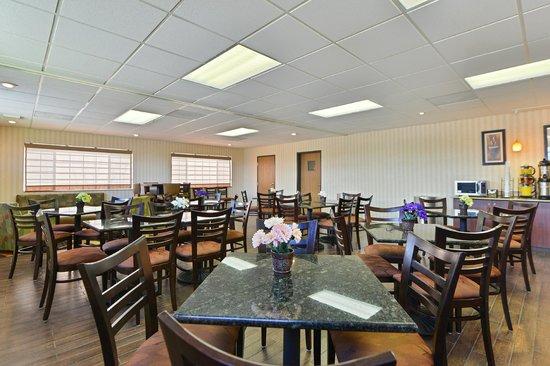 Best Western Plus Meridian: Dining Room