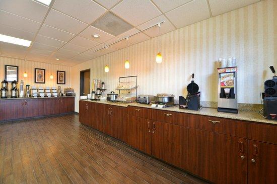 Best Western Plus Meridian: Free Hot Breakfast
