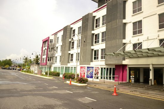 favehotel Cenang Beach - Langkawi : hotel outside