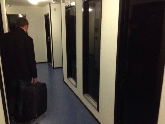 Relais Fasthôtel Lens : Couloir