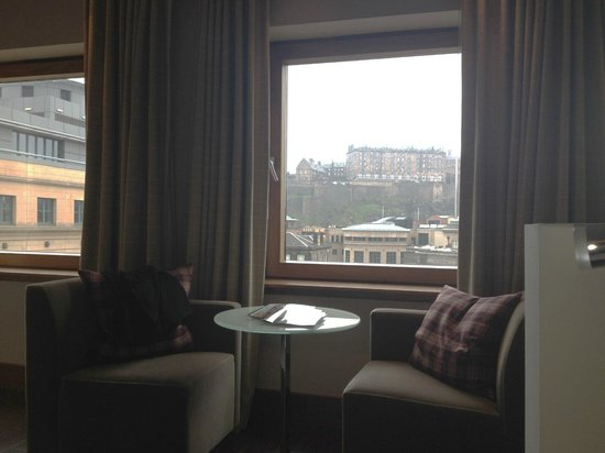Sheraton Grand Hotel & Spa: View of castle from my bed