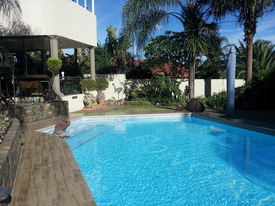 Ponciana Superior Guesthouse: pool
