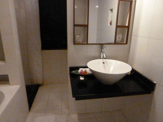 Hoi An Glory Hotel & Spa: lavabo