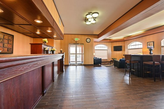 BEST WESTERN PLUS Rama Inn: Reception