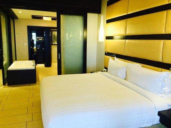 Fairmont Zimbali Resort : Bathroom from Bed