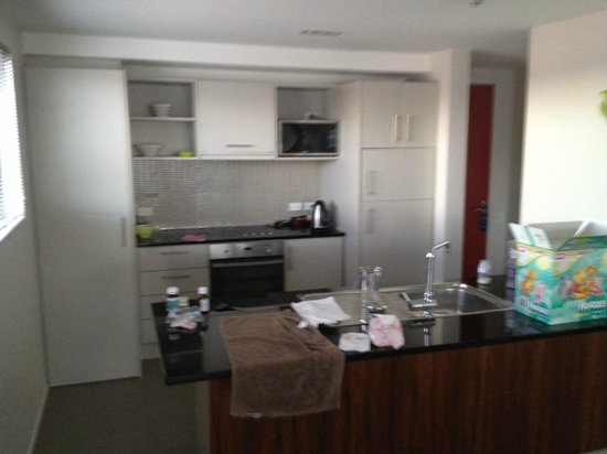 Focus Motel & Executive Suites: Kitchen