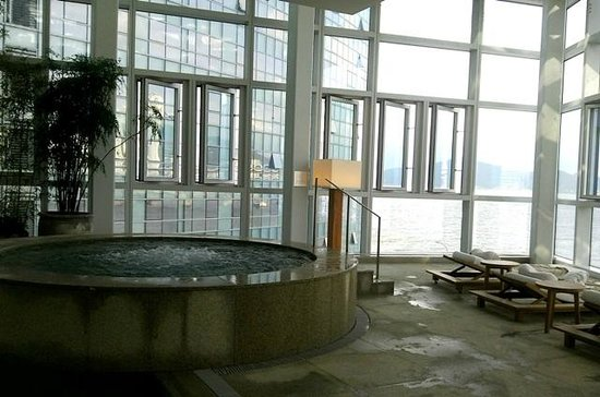 Park Hyatt Busan: бассейн.спа