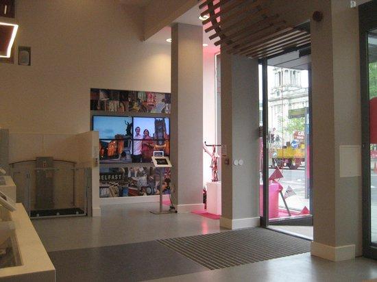 Visit Belfast Welcome Centre: Entrance