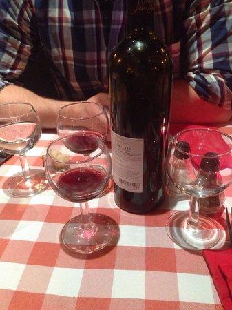 Meet the Meat: Un peu de vin mais surtout une nappe à l'ancienne