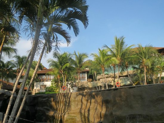 Swiss-Garden Beach Resort Damai Laut: View of hotel from the front of the swimming pool