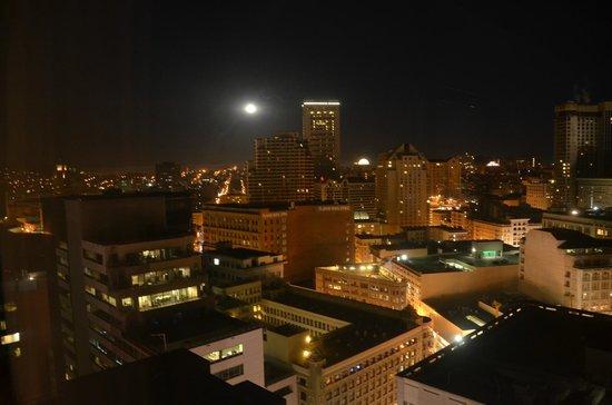 San Francisco Marriott Marquis : San Fran at night!