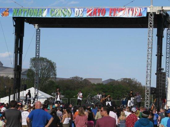 Explanada Nacional: Cinco de Mayo festival