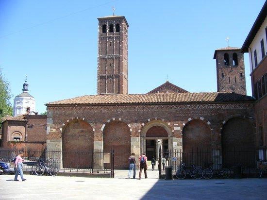 Basilica di Sant'Ambrogio: outside view