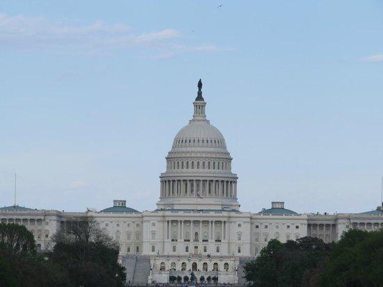 Explanada Nacional: View of the Capitol