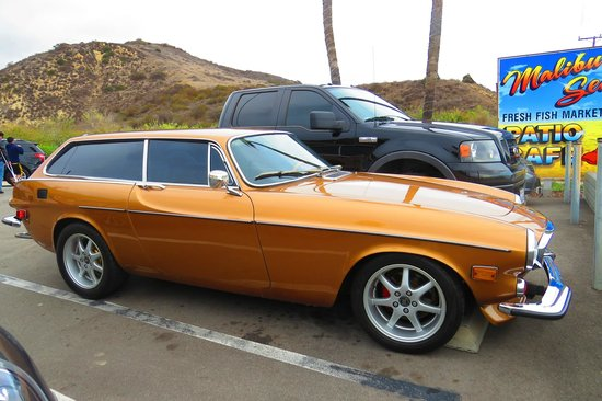 Malibu Seafood Restaurant : A Volvo P 1800 , Exotic !!