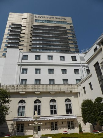 Hotel New Grand: 中庭