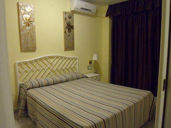 Ona Club Novelty: bedroom