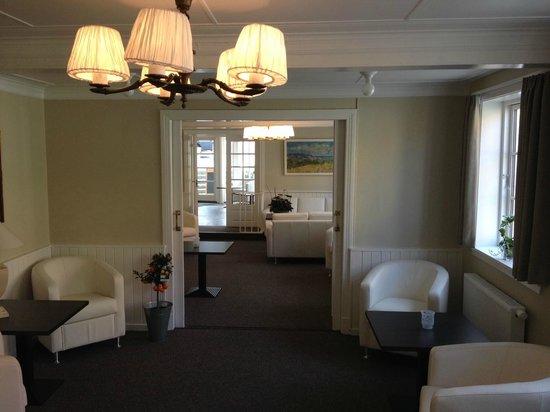 Hotel Allinge : Loungeområde