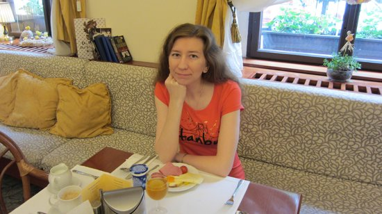 Louren Hotel: Завтрак
