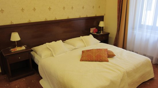 Louren Hotel : Кровать