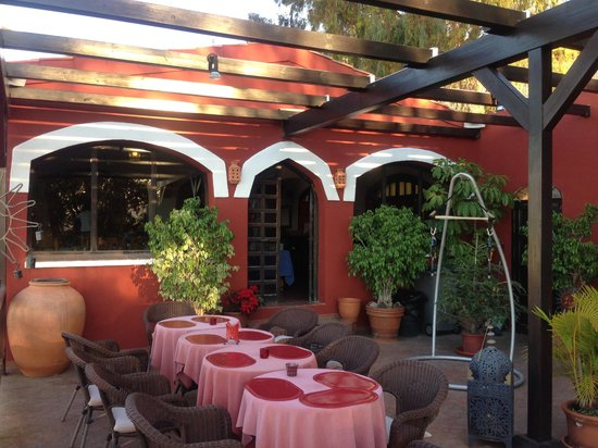 Hotel California: The terrace - great for BBQs!
