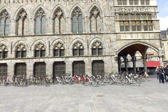 Museo In Flanders Fields: Bicycles for hire in Ypres